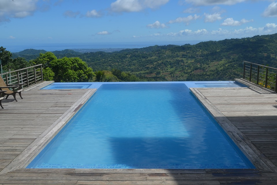 How To Extend Your Pool Season Medallion Energy