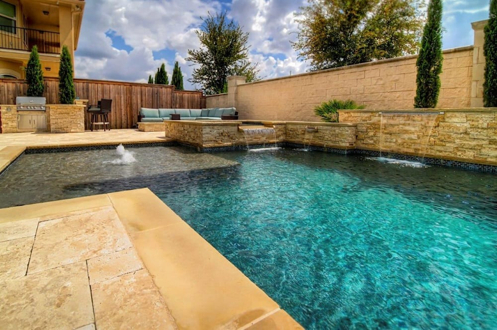 20 common swimming pool myths myths about swimming pools for Swimming pool salt vs chlorine