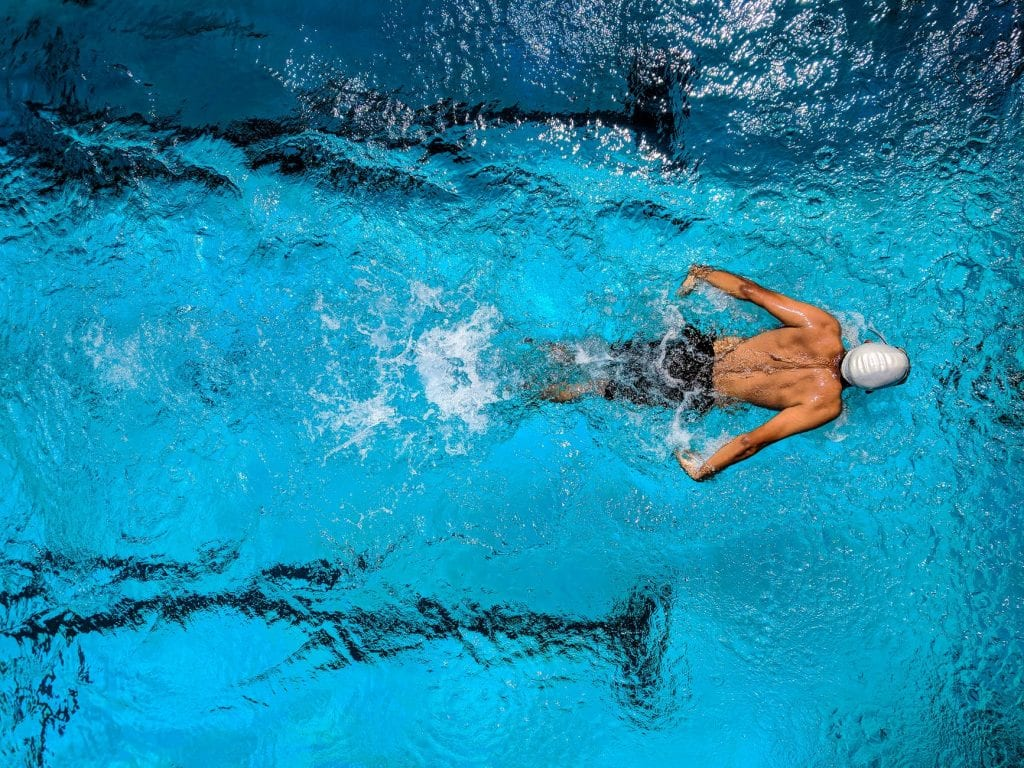 why swimming pools need chlorine using chlorine tablets