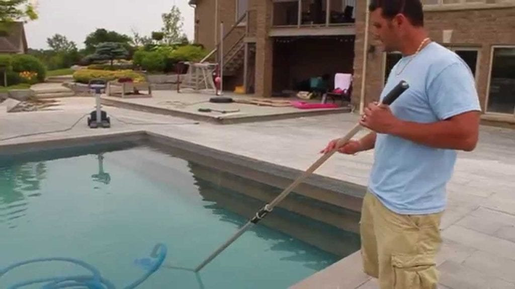 vacuuming pool cost to maintain a pool